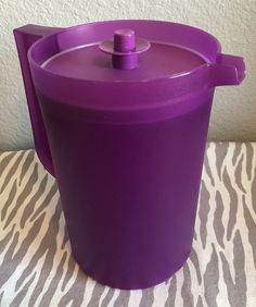 NEW TUPPERWARE SMIDGETS SET OF 5 WITH SEALS PURPLE GREEN BLACK BLUE /& RED