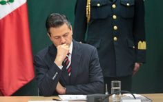 ¿Se ha preguntado usted qué haría si fuera Peña Nieto?Yo sí y con harta frecuencia: motivos hay.Lo primero que haría sería peinarme distinto, aunque reconozco que la cosa podría ser aún peor si pienso en Donald Trump. Sin embargo, entiendo que eso no es lo importante. La mayoría de
