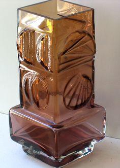 PENTTI SARPANEVA ARCHITECTURAL VASE Art Of Glass, My Glass, Glassy Eyes, Modern Glass, Vintage Art, Interior Inspiration, 1970s, Scandinavian, Concrete