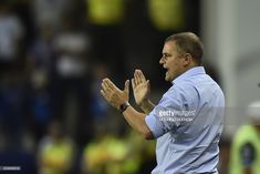 Argentina's San Lorenzo coach Uruguay's Diego Aguirre gestures during their 2017 Copa Libertadores football match against Ecuador's Emelec at George Capwell stadium in Guayaquil, Ecuador, on July 6, 2017. /
