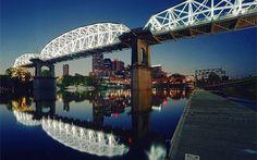 Shelby Street Pedestrian Bridge | Tennessee Vacation