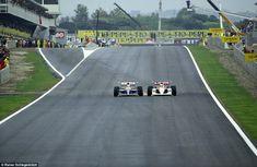 Nigel Mansell, Williams-Renault, briga com Ayrton Senna, McLaren-Honda, para o 2º lugar, E...