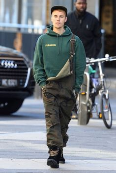 Hype Clothing, Mens Clothing Styles, Justin Bieber Outfits, Justin Bieber Fashion, Men's Dungarees, Hypebeast Outfit, Herren Outfit, Casual Dress Outfits, Menswear