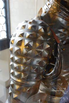 Armadura Medieval, Fantasy Armor, Fantasy Weapons, Larp, Costume Armour, Armor Clothing, Space Fashion, Knight Armor, Arm Armor