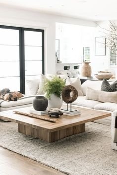 Coffee Table Decor Living Room, Modern Farmhouse Living Room Decor, Decorating Coffee Tables, Home Living Room, Living Room Designs, Living Spaces, Living Room Tables, White Couch Living Room, Coffee Table Styling