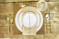 @Carri Brown Chatfield Look at the gold glitter placemats!