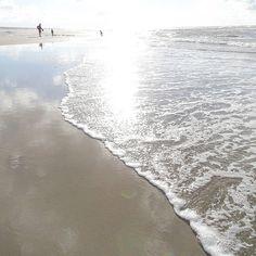 Mehr Meer für mich...  Was für ein toller Strand-Abend! #juistspam #sorrynotsorry #juistcantgetenough  . Juist so happy about this beautiful evening at the beach! . #juisthappy #juist #juist2016 #juliamammiladeaufjuist #beach #beachlife #strand #lifeisbetteratthebeach #dayatthebeach #nordsee #northsea #seaside #nature #sea #meer #urlaub #travel #vacation #holiday #traveldiaries #lifeisgood #lifeisbeautiful #thegoodlife #theartofslowliving #finditliveit #thehappynow #thatsdarling
