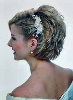 Mother Of The Bride Hairstyles For Short Hair Pictures Women's Hair Mother Of The Bride Hairstyl Prom Hairstyles For Short Hair, Short Hair Updo, Short Wedding Hair, Bride Hairstyles, French Hairstyles, Wedding Veil, Wedding Dress, Wedding Hairdos, Bridesmaid Hairstyles