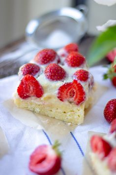 Puddingkuchen mit Erdbeeren Kitchenaid, Sweet Stuff, Summer Vibes, Raspberry, Berries, Cheesecake, Fruit, Breakfast, Desserts