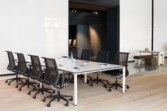 KALIDRO CONFERENCING: is an exceptionally flexible and attractive conference table system with the widest possible variety of configurations.