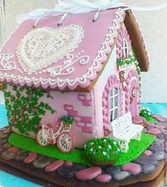 Christmas Gingerbread House, Gingerbread Man, Christmas Cookies, Pink Christmas, Christmas Time, Fairy Castle Cake, Cookie House, Easter Cookies, Cookies And Cream