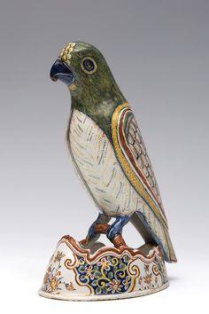 Delft, polychroom aardewerk vormstuk, 18e eeuw;