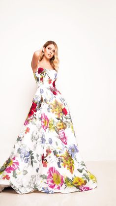 Floral print Gown. Spring is around the corner. Find the perfect dress in www.binaboutique.com