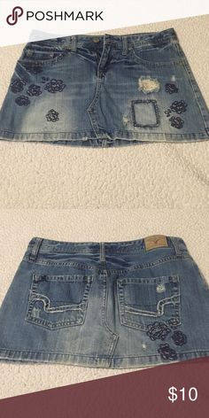 American eagle embroidered distressed Jena skirt Great shape! American Eagle Outfitters Skirts Mini