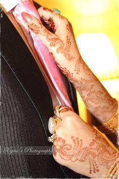 Dulhan Bride Indian Pakistani Wedding Desi Bollywood Henna Mehndi Dulha Groom XYRA PHOTOGRAPHY https://www.facebook.com/Xyra.Photography