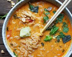"Spice is super nice in the month of January. Combine peanuts, chicken, and our low-carb noodles, it's a winner of a dinner! ""Spicy Thai Peanut Ramen is perfect on a day like today. Sopa Ramen, Ramen Soup, Spicy Recipes, Asian Recipes, Soup Recipes, Cooking Recipes, Healthy Recipes, Spicy Ramen Recipe, Spicy Thai Soup"
