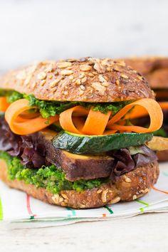Tofu Sandwich mit Grünkohl Pesto