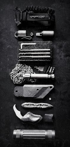 Covert Operator EDC Gear Kit For Foreign Travel /// #everydaycarry #knife #knives #tactical #titanium #carbonfiber #karambit #dagger #tad #tadgear #sere #survival #necklace #ceramic #vinjabond