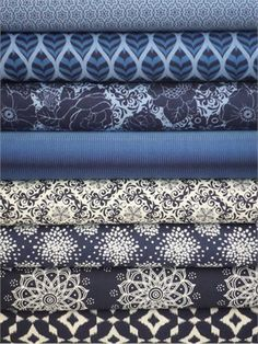 Camelot Cottons, Mint to Be, Navy in FAT QUARTERS 8 Total