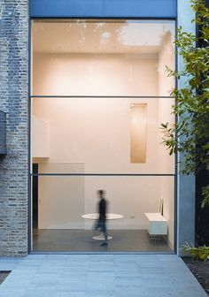 Guilotine windows by Swiss company Vitrocsa. Less frame, more window.