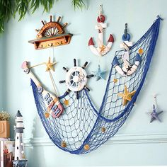 How to clean a bathroom? Seaside Decor, Beach Wall Decor, Beach House Decor, Coastal Decor, Seashell Crafts, Beach Crafts, Ocean Themes, Beach Themes, Fish Net Decor