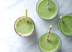 Sugar-Free Delicious Green Smoothies using Sweet Leaf Stevia Flavored Drops - DELICIOUS ideas from  Juli Novotny of Pure Mamas for Chalkboard Magazine.