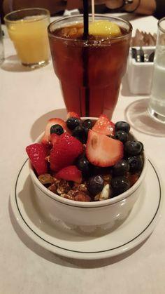 Good Food, Yummy Food, Fake Photo, Photos Tumblr, Types Of Food, Beverages, Drinks, Chocolate Fondue, Panna Cotta