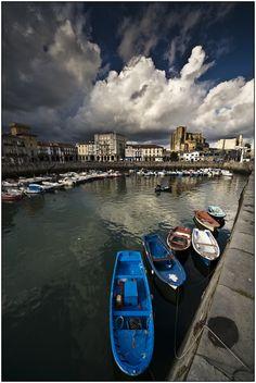 Photo by Joserra Irusta. Castro Urdiales. #Cantabria #Spain #Travel