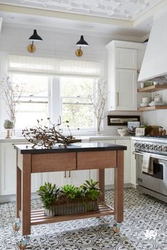 9 Flattering Tips AND Tricks: Large Kitchen Remodel Layout small kitchen remodel apartment.Oak Kitchen Remodel White Appliances kitchen remodel with island bar areas. Farmhouse Kitchen Inspiration, Country Kitchen Farmhouse, Modern Farmhouse Kitchens, Farmhouse Sinks, Small Kitchens, Farmhouse Ideas, Farmhouse Style, Farmhouse Decor, Kitchen Floor Tile Patterns