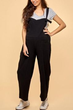 The maternity spaghetti strap sleeveless pocket wide leg jumpsuit is a good choice of fashion and you will love it in summer. Maternity Jumpsuit, Maternity Tops, Black Jumpsuit Outfit, Spaghetti Straps, Wide Leg, Jumpsuits, Overalls, Rompers, Legs