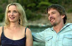 Before Midnight - Official Trailer. Jesse en Celine zijn de inmiddels veertigers met kinderen en op vakantie in Griekenland. Ze hebben voor het eerst in lange tijd weer eens tijd om samen een nacht door te brengen waarin ze voornamlijk praten. Reserveer: http://www.theek5.nl/iguana/?sUrl=search#RecordId=2.290255