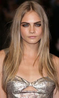 Cara Delevigne Rocked Poker Straight Long Hair In This On-Trend Blonde Shade, 2012   Look