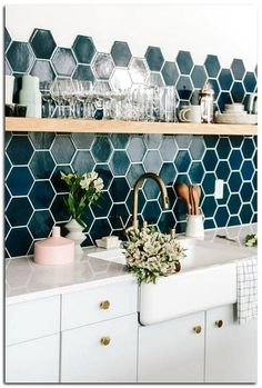 home decor 40 Unique Quirky Home Decor Ideas 40 einzigartige skurrile Wohnkultur-Ideen Retro Home Decor, Home Decor Kitchen, Scandinavian Kitchen, Home Decor Bedroom, Kitchen Remodel, Kitchen Decor, Modern Kitchen, Rustic Kitchen, Kitchen Design