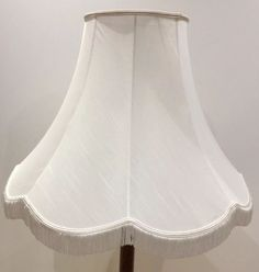 A20* LARGE VINTAGE CREAM COL LAMPSHADE FRINGES & TRIM APPROX 15  + 1.5  FRINGES