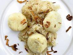 Bramborové škvarkové knedlíky Czech Recipes, Cauliflower, Czech Food, Pierogi, Pasta, Snacks, Dinner, Vegetables, Kitchen
