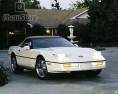 1989 Chevrolet Corvette Convertible. Sexy car right there.!!!