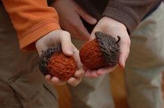 knit acorns
