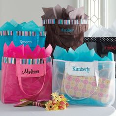 Gift Bag Ideas For Wedding Party : ... Gifts Ideas on Pinterest Bridesmaid clutches, Bridesmaid gifts and