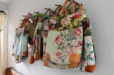 Beautiful totes - PICTURE ONLY