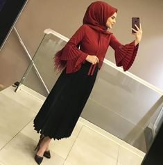 20 Cute Hairstyles For Work Casual Modern Hijab Fashion, Abaya Fashion, Muslim Fashion, Modest Fashion, Fashion Dresses, Modest Work Outfits, Modest Dresses, Dress Outfits, Casual Dresses