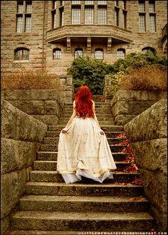 dress, red hair, and princess image Foto Fantasy, Fantasy World, Fantasy Art, Fantasy Romance, Story Inspiration, Character Inspiration, Writing Inspiration, Poses Photo, Photo Shoot