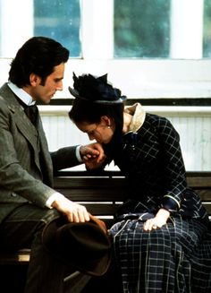 Daniel Day-Lewis & Winona Ryder in 'The Age of Innocence' (1993).