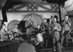 At Nick's with Bud Freeman's Summa Cum Laude Orchestra, 1938