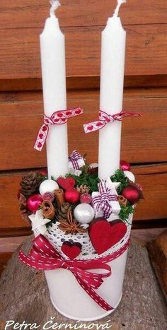 Christmas candle holder size 17 cm (measured without candles). Christmas Advent Wreath, Handmade Christmas Decorations, Xmas Decorations, Holiday Crafts, Christmas Makes, Winter Christmas, Christmas Holidays, Christmas Candle Holders, Christmas Candles
