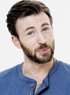 Chris Evans with beard, om nom nom Christopher Evans, Chris Evans Bart, Chris Evans Tumblr, Robert Evans, Chris Evans Captain America, Romanogers, Steve Rogers, Hemsworth, Celebrity Crush