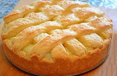 Apple pie with custard. Recipes with photos of delicious cakes. Russian Desserts, Russian Recipes, Sweet Recipes, Cake Recipes, Custard Recipes, Sweet Pie, Pie Cake, How Sweet Eats, Yummy Cakes