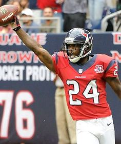 Johnathan Joseph's play has been criticized lately, but his 52-yard interception return for a touchdown gave the #Texans a 16-3 lead over the #Ravens.