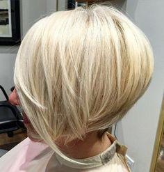 Tanti stili di capelli medi e mossi che vi consigliamo di tenere sotto controllo in vista di un bel restyling autunnale o invernale!
