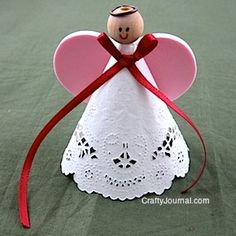 Crafty Journal - Sweetheart Angel using a white paper doily, plain wooden bead, foam heart, finished off with a ribbon. Elderly Crafts, Crafts For Seniors, Valentine Day Crafts, Holiday Crafts, Valentines, Valentine Tree, July Crafts, Valentine Ideas, Doilies Crafts