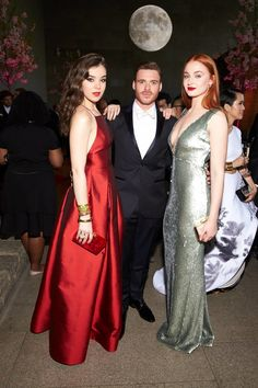 Hailee Steinfeld, Richard Madden, and Sophie Turner Met Gala 2015